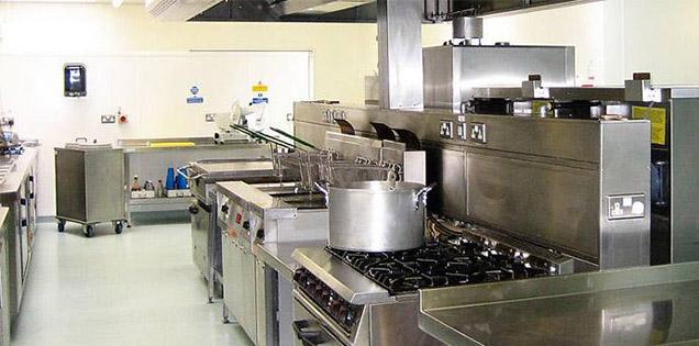 人妻女友开发厨房设备不易生锈技巧?
