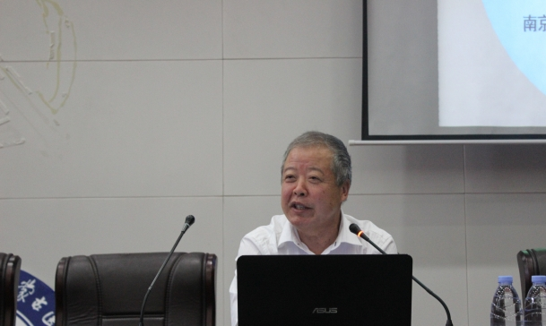英国德蒙福德大学杨英杰教授、南京航空航天大学刘思峰教授来我校访问交流