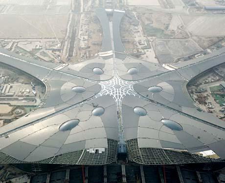 北京新机场航站楼已实现功能性封顶封围
