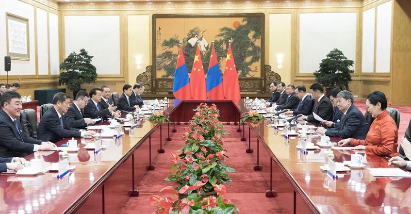 李克强举行仪式欢迎蒙古国总理呼日勒苏赫访华
