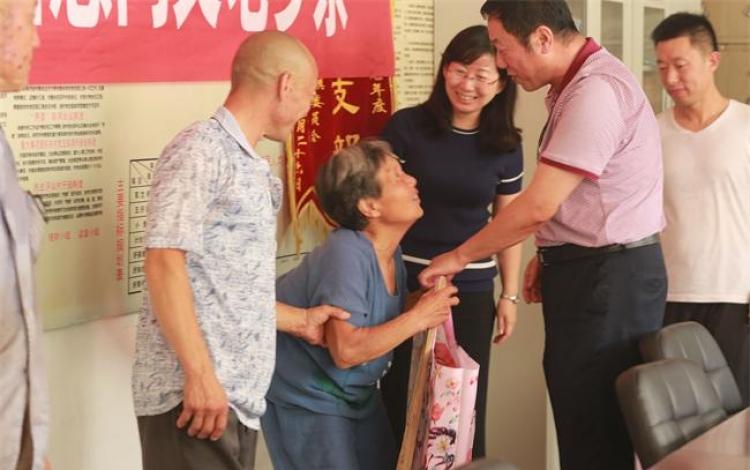 农工党保定市委到涞源县扶贫慰问和主题教育活动