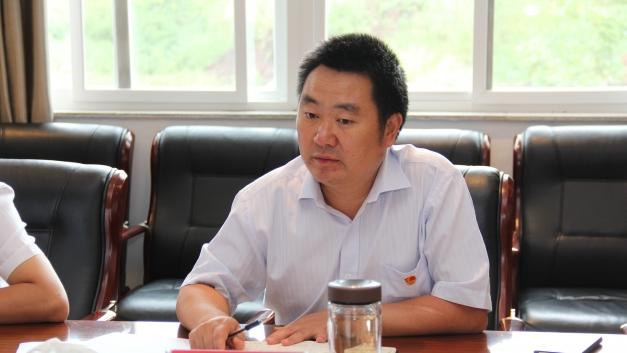 公司总经理、党委副书记孙成余出席彝良驰宏专题民主生活会