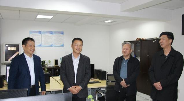 第19个中国记者节 周俊文到广电台慰问新闻工作者
