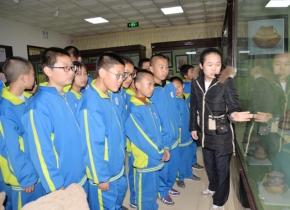 景泰三中学生来我馆参观学习