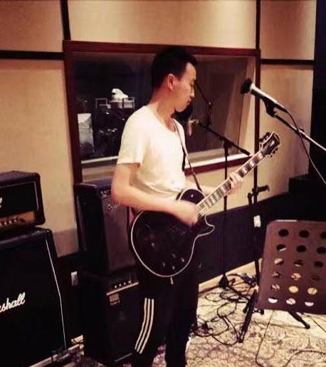 吉他老师:梅杰