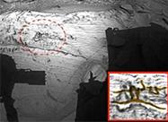 ufo:火星上惊现神秘壁画,就像一位正在