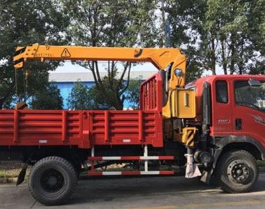 4吨伸缩臂随车起重机(SQ4SA2)