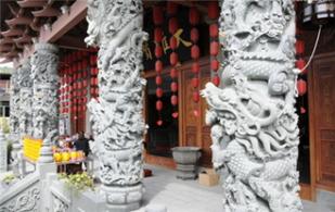 石雕龙柱的雕刻方法