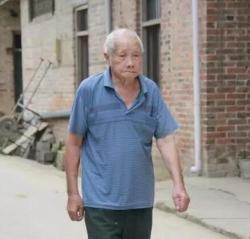 上林乔贤镇龙保村韦精扬老寿星101岁