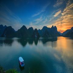 中国下龙湾,上林大龙湖
