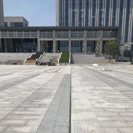 绍兴市政府行政中心排水沟效果