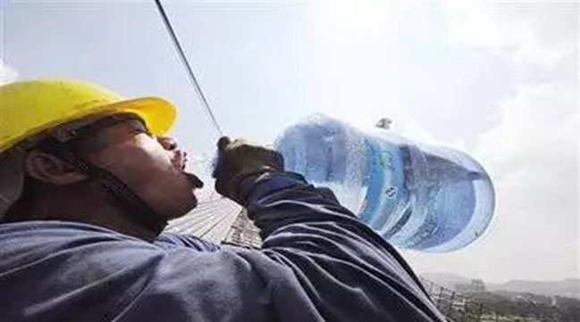 陕西省人社厅要求切实保护高温天气劳动者安
