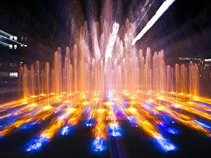 釜庆大学广场夜景喷泉