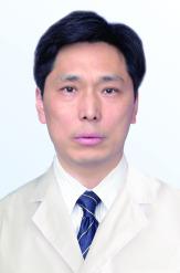 张民军 CEO兼屈光中心主任  副主任医