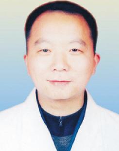 王东伟 /  院长