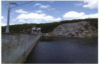 水库拦水坝