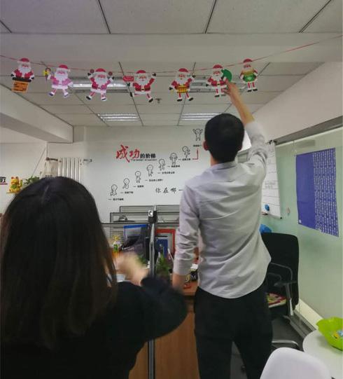 办公室圣诞.jpg