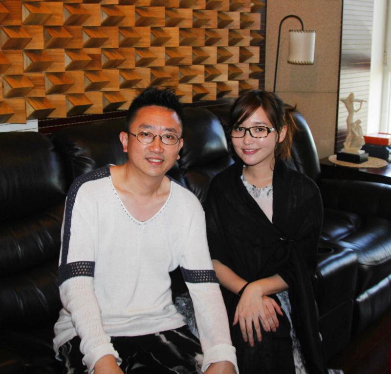 李毅和金莎2.png