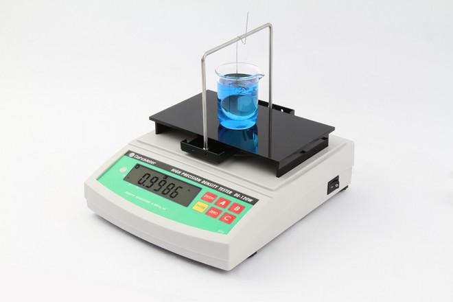 分析天平测定植物油相对密度研究