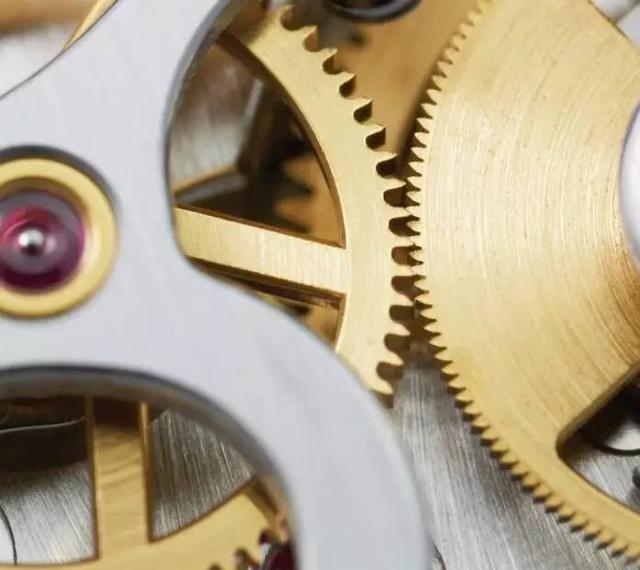 扭矩标准装置及其使用中砝码刮碰的分析