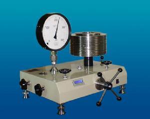 液体活塞式压力计润滑油使用浅析