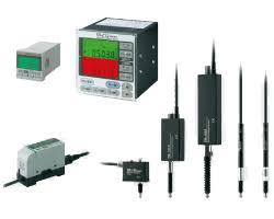 磁场式位移传感器在仪器校准中的误差模型研究