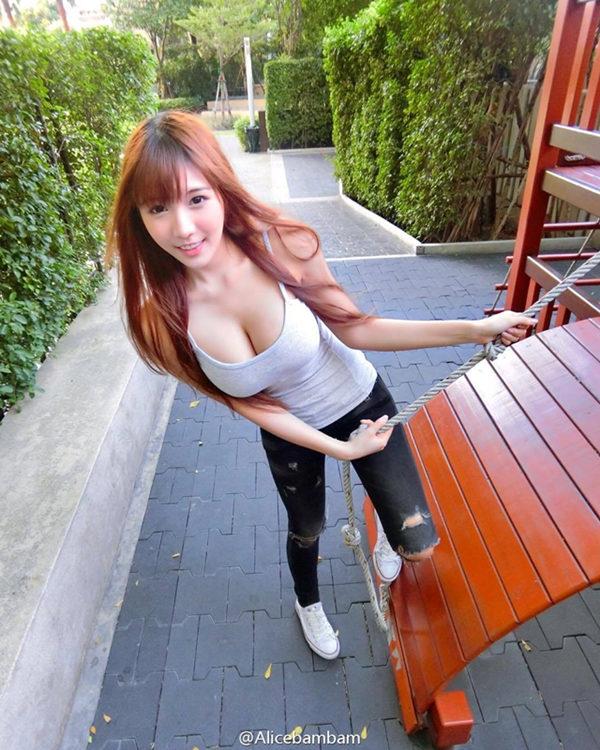 泰国妹子Arisara Karbdecho户外写真自拍高清图片