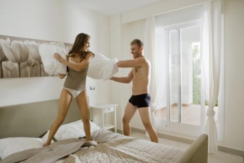 男女同居生活形象图-网络图
