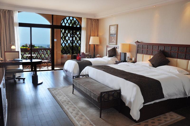 厦门帝元维多利亚大酒店奢华双人房布置