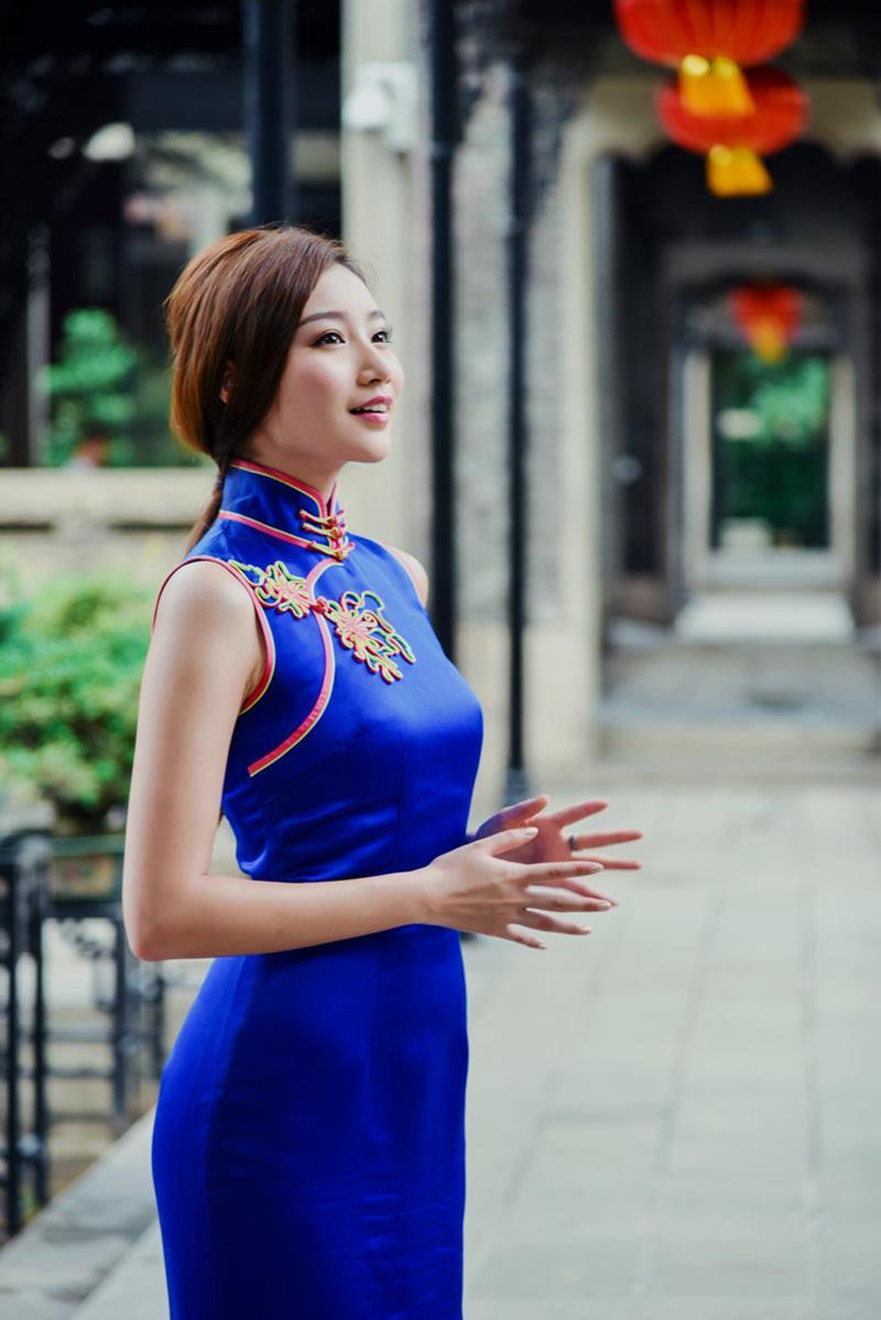 古典东方面孔身材苗条女人最适合穿旗袍
