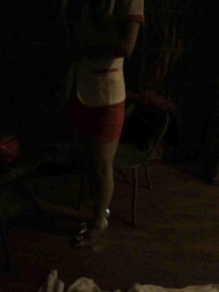 厦门浅澜spa会所穿短裙制服高跟鞋的女技师在房间里提供服务