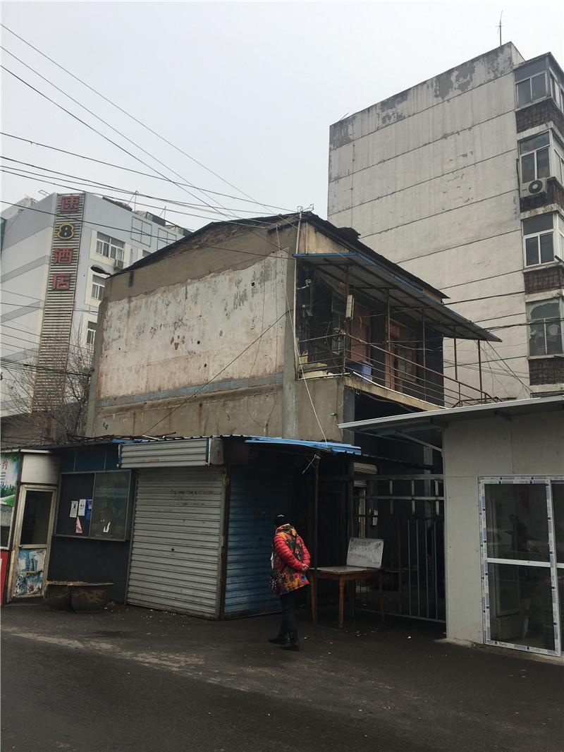 朝阳站长办公室-2.JPG