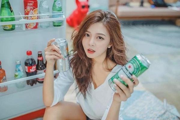 想和诗人喝两罐啤酒.jpg