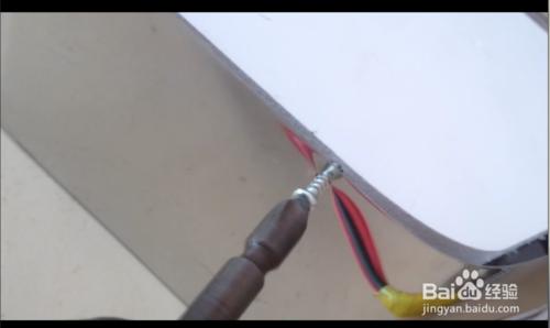 如何安装不锈钢发光字