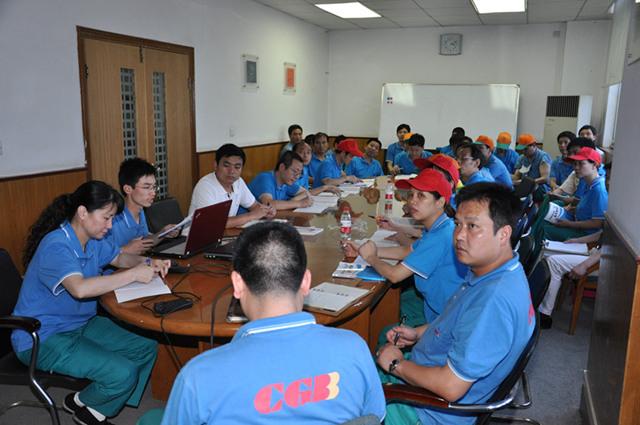 武汉长光蓄电池产品质量把关公司领导、经销商培训