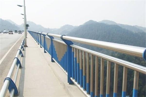 平山區不銹鋼復合管橋梁護欄