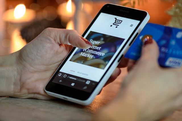 微信营销的正确打开方式:先社交,后电商。综合起来达到社交电商解决方案