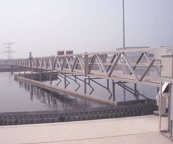 ZBG系列全桥式周边传动刮吸泥机.jpg
