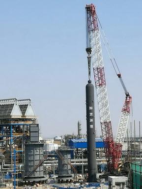 06由公司设计制造的首台重型加氢反应器在宁波科元完成安装01.jpg