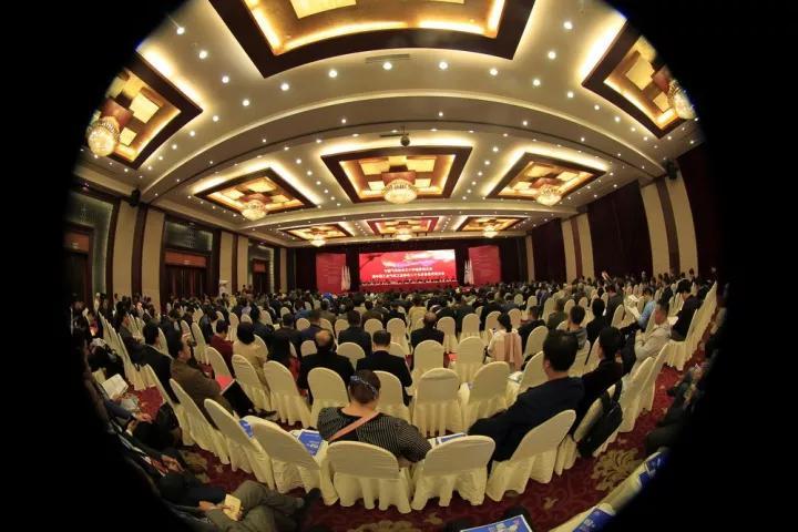 07中国工业气体工业协会发布知名品牌表彰先进.jpg