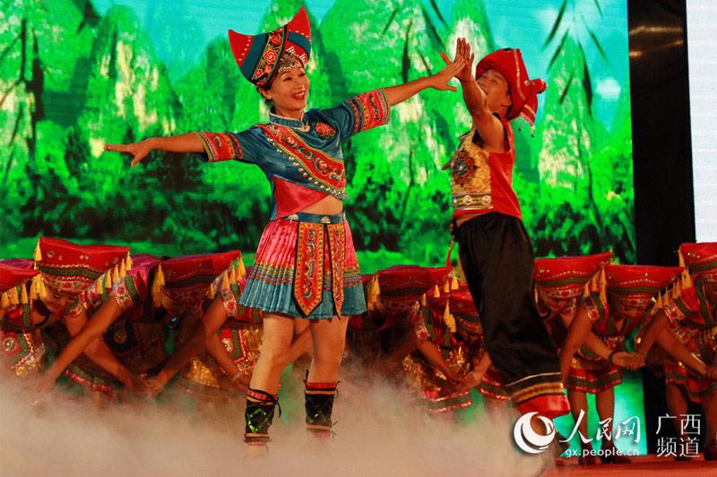 桂林代表队展现山水风采