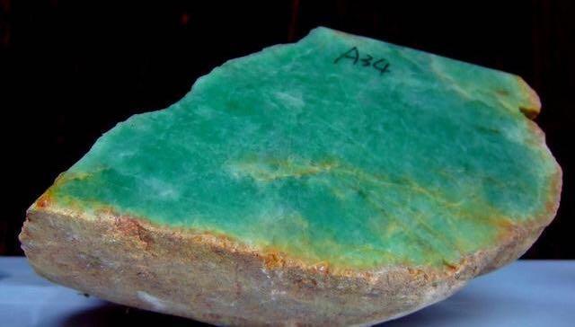 缅甸矿区资源枯竭!市场告急!翡翠原石爆涨在所难免!