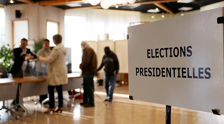 法国里昂,民众已开始排队准备投票。
