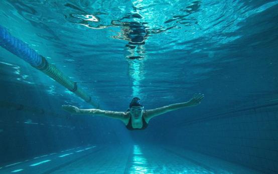 训练游泳池紫外线消毒器