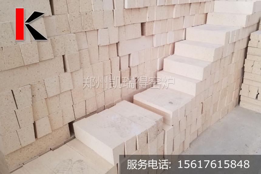 高鋁磚堆.jpg
