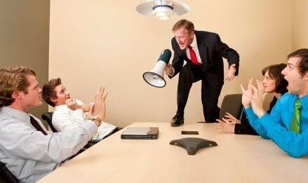 面对员工的顶撞,管理者该怎样做?