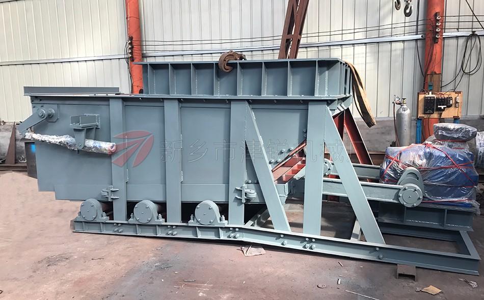 K型往复式给料机(往复式给煤机)适用于矿井和选煤厂,将煤碳经煤仓均匀地装载到输送机或其它筛选,贮存装置上