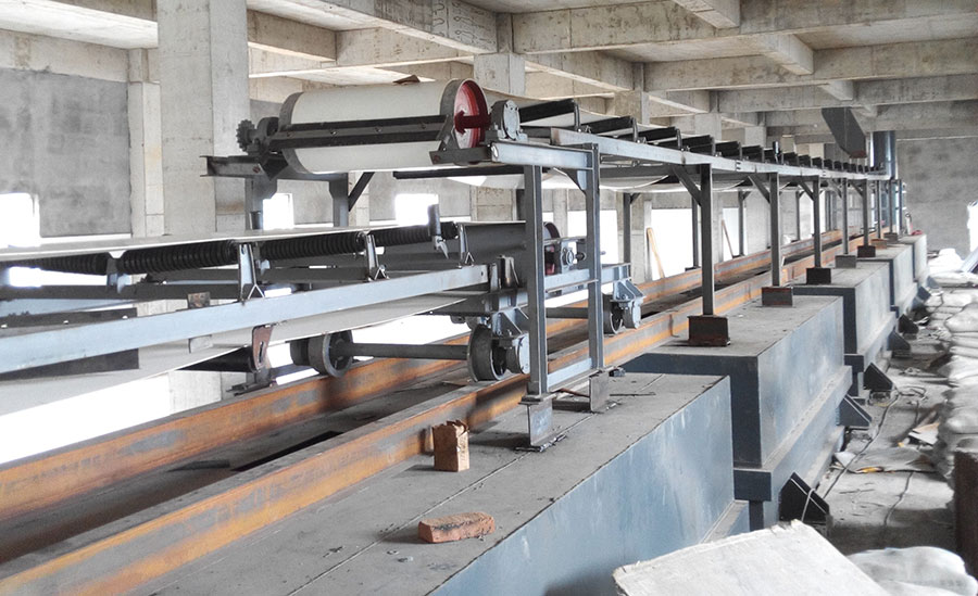 可逆配仓带式输送机规格为带宽B500、B650、B800、B1000、B1200、B1400