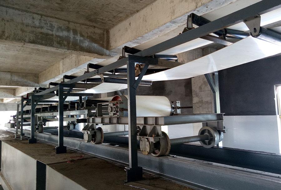 可逆配仓常规的输送长度为6~30m,其中6m、9m为整体式,其余为拖挂式。