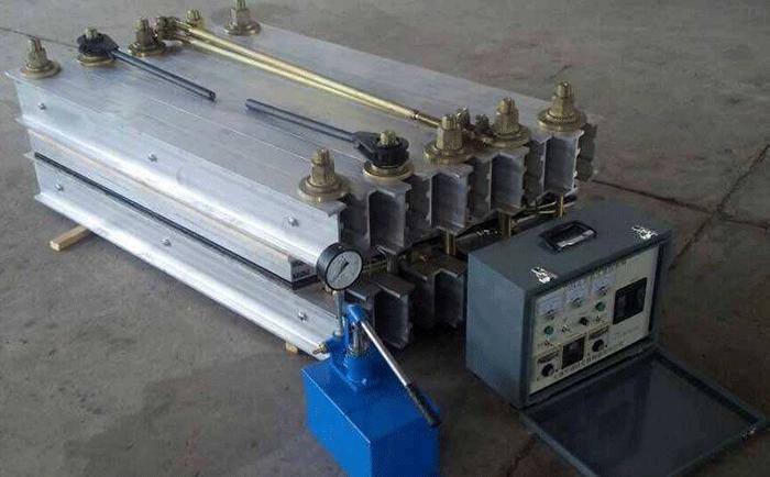 輸送帶熱硫化機